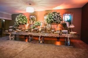 Mesa Espelhada Decoração de Casamento